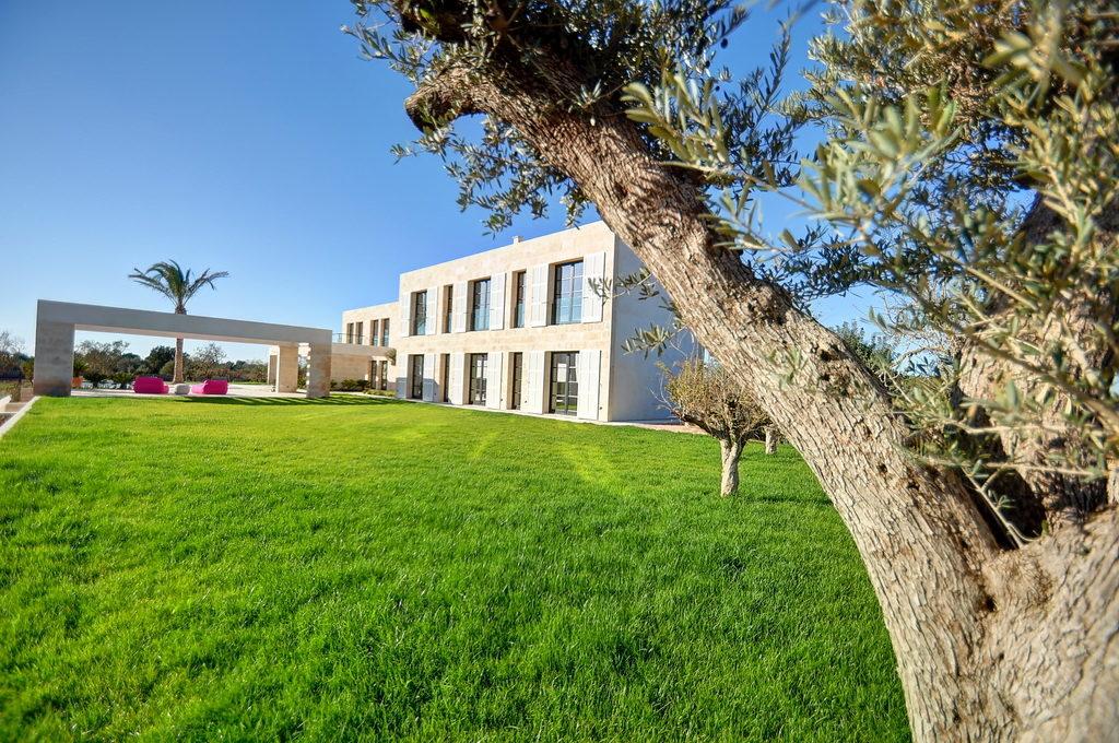 Bright-and-spacious-villa-in-Mallorca