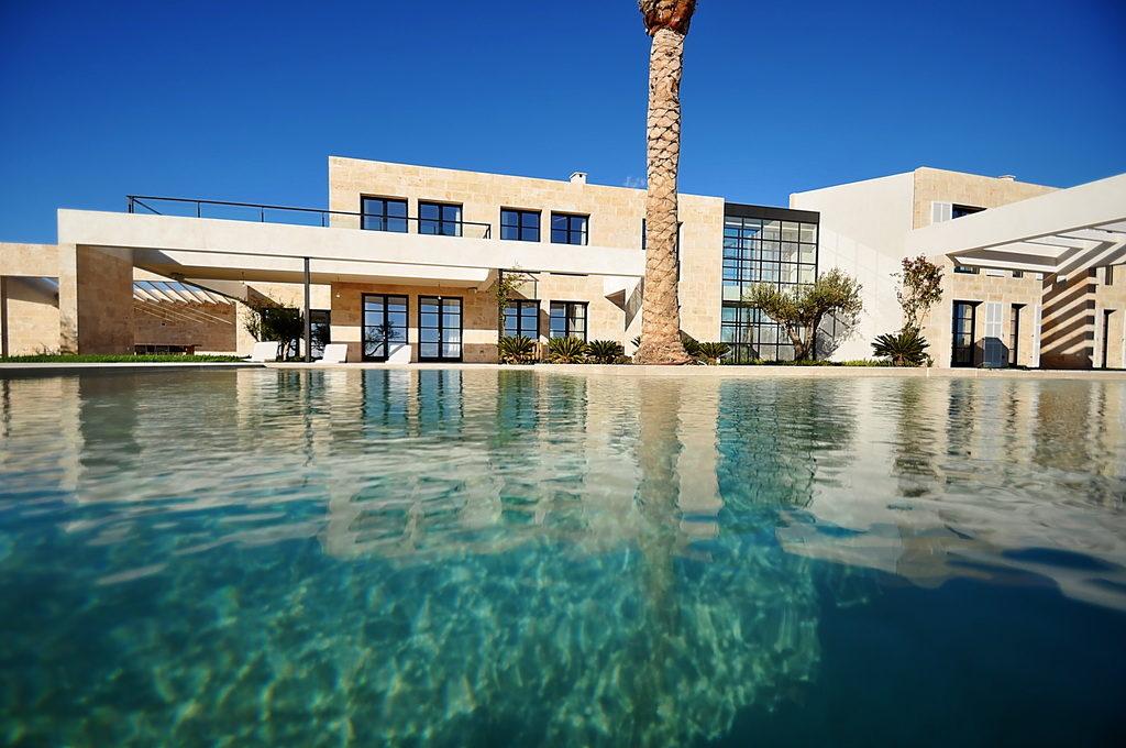 Helle-und-geräumige-Villa-in-Mallorca