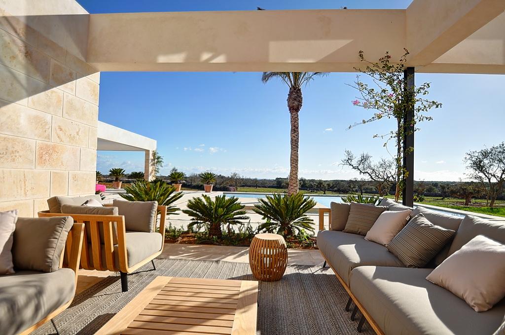 Villa-close-to-the-Mediterranean-Sea