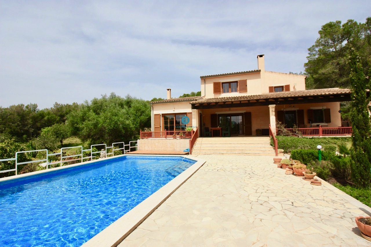 Charming and well-kept Finca near Felanitx with lots of privacy