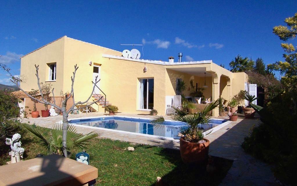Strandnahe Villa mit Pool & Tennisplatz nahe Portocristo