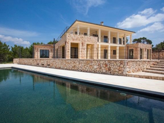 Luxusanwesen der Extraklasse: Neubau-Finca mit Panoramablick nahe Felanitx