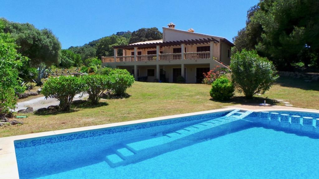 Landhaus mit 3 separaten Wohneinheiten mit Panoramablick bis hin zum Meer zwischen Capdepera und Cala Ratjada